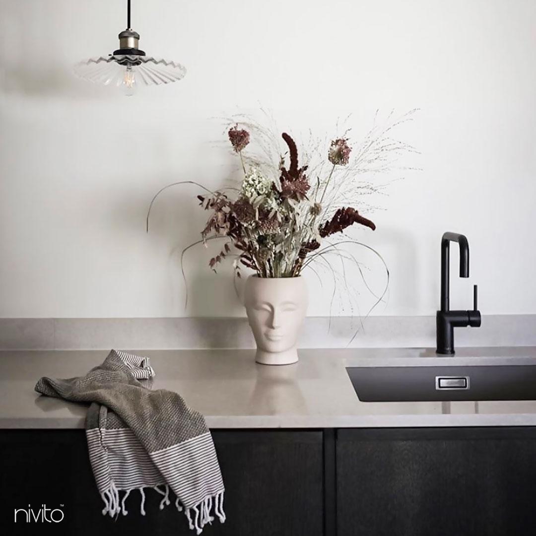 Black Kitchen Mixer Tap Pullout hose - Nivito RH-320-EX